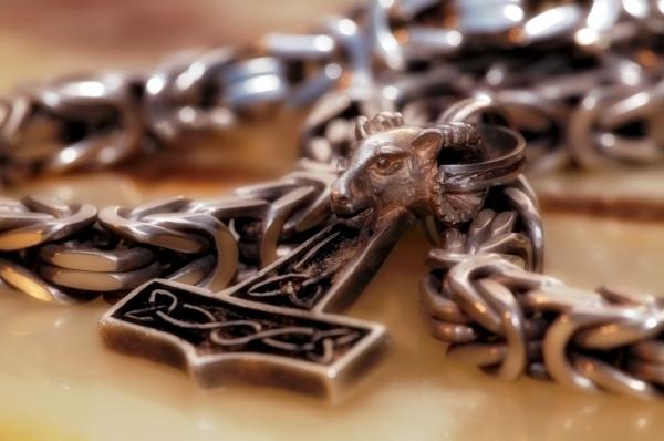 king chain thorhammer