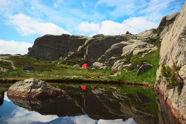 camping close to the preikestolen