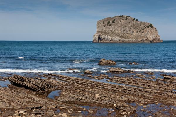 coast in san juan de gaztelugatxe