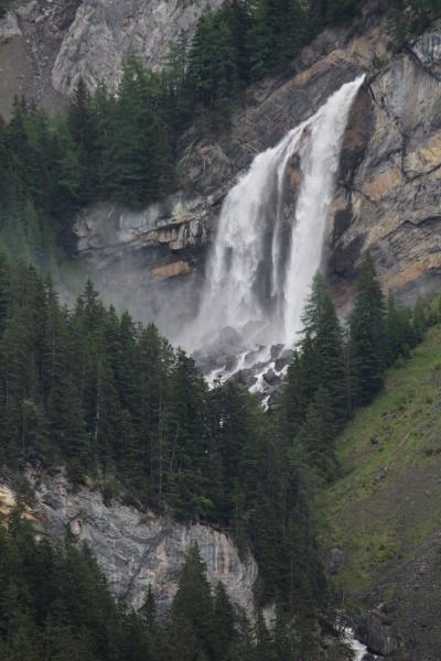 sanetschfall beautiful waterfall in the bernese