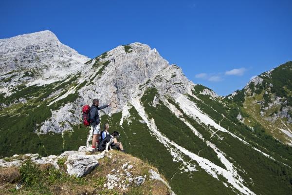 hiking - 11380477
