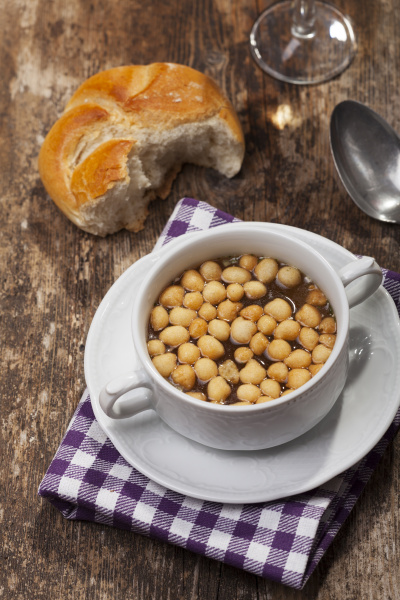 fresh, soup, with, soup, pearls - 16319003