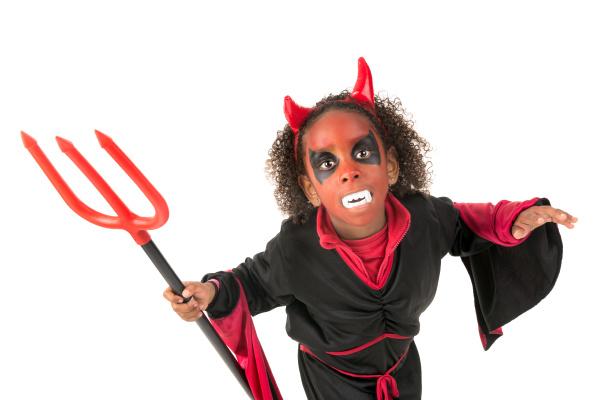 kid, in, halloween, costume - 16320811