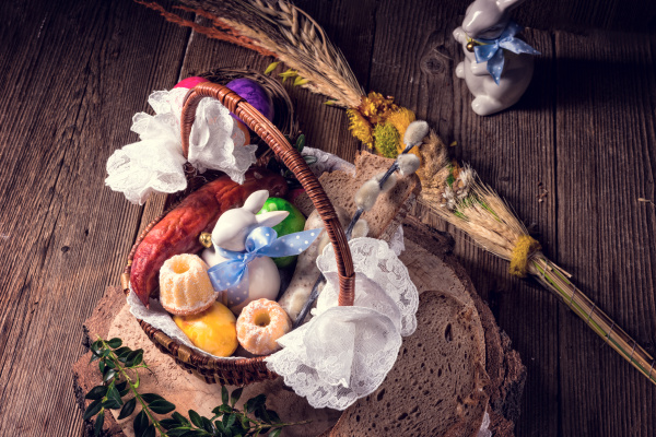 traditional, easter, basket, with, food - 16324921