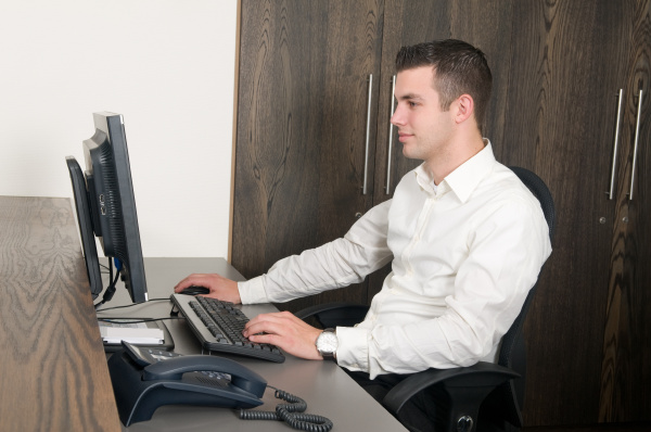 male worker at a helpdesk