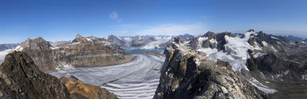 greenland kulusuk mountaineers in