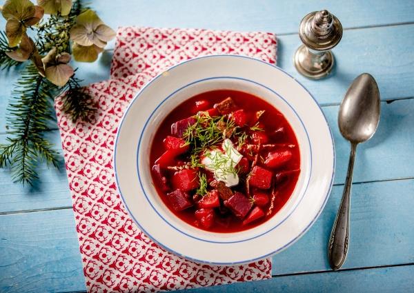 borscht with sour cream