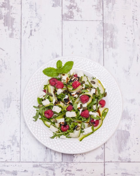courgette and feta cheese salad with