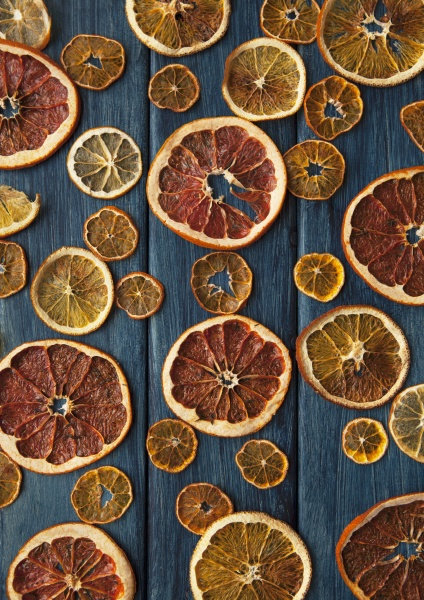 dried slices of citrus fruits seen