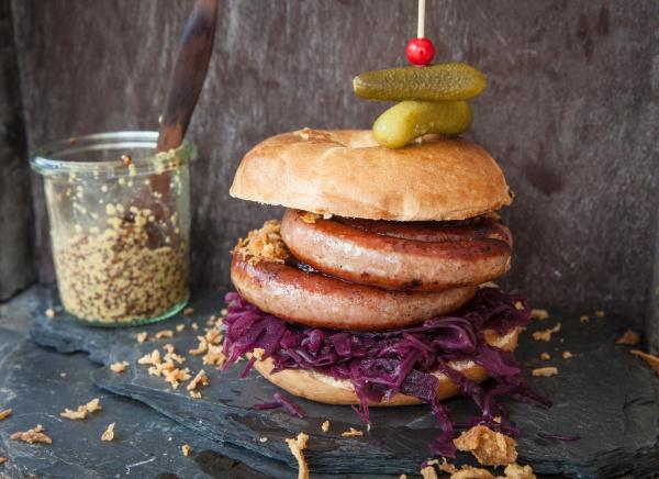 bratwurst in broetchen