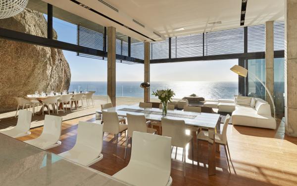 modern luxury home showcase dining room