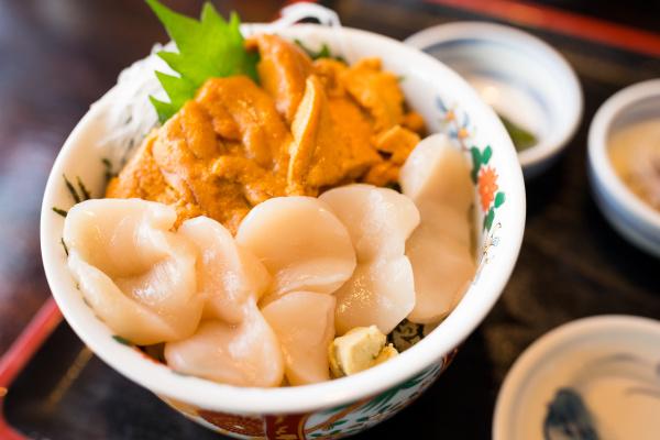 sea urchin and scallop rice bowl