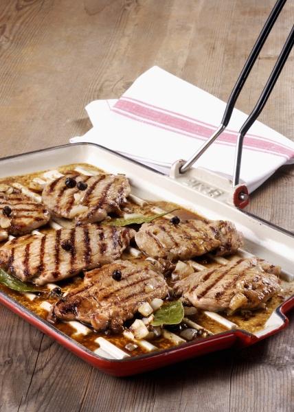 grilled fillets of pork in vinegar