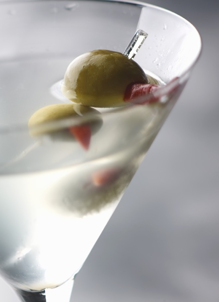 a dirty martini cocktail detail