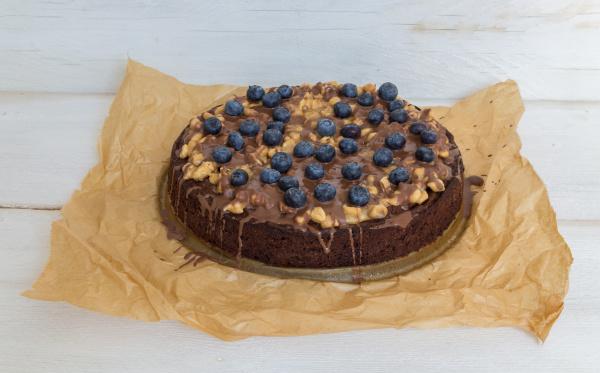 chocolate tart with peanut caramel and