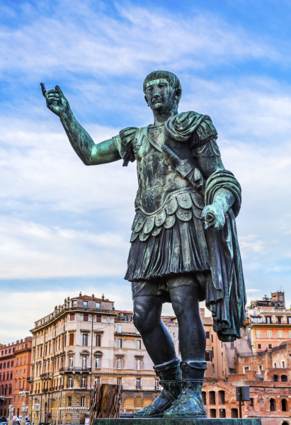 augustus caesar statue buildings rome italy