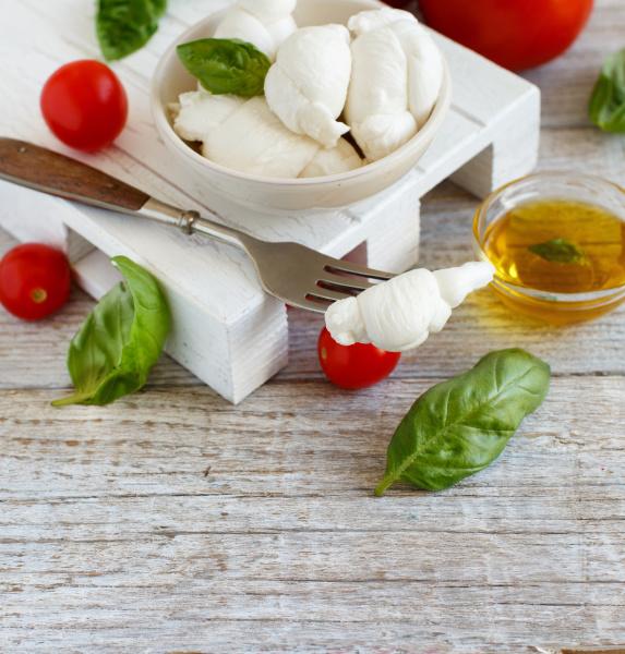 italian cheese mozzarella nodini with tomatoes