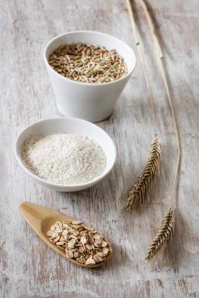 rye ears rye flakes rye flour