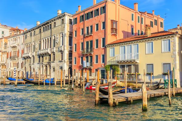 venice piers for gondolas in the