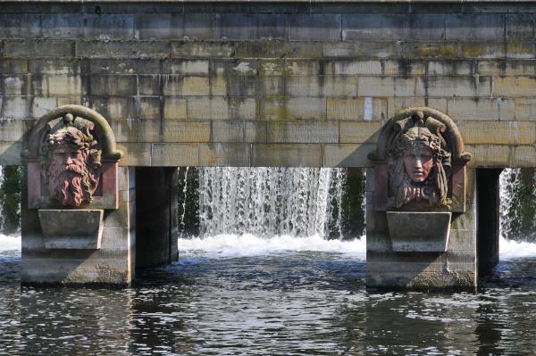 the flusswasserkunst river water art in