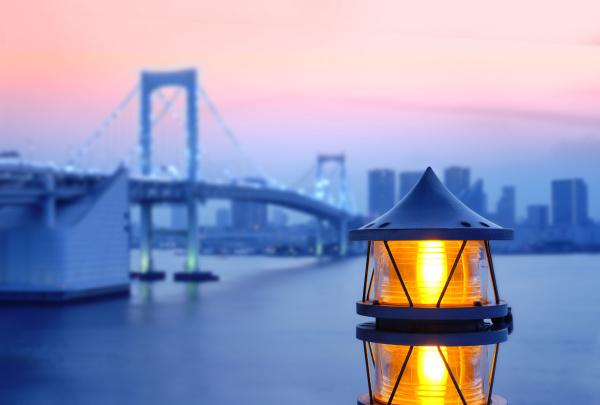 lantern of the rainbow bridge on
