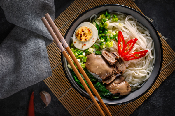 chinese noodles with chicken giblets