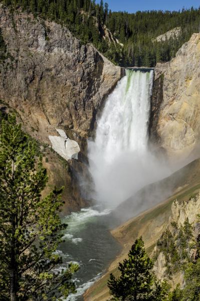 lower falls yellowstone national park wyoming