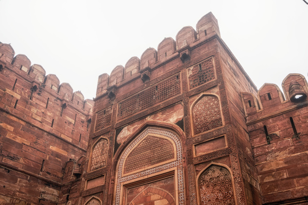 agra fort exterior view