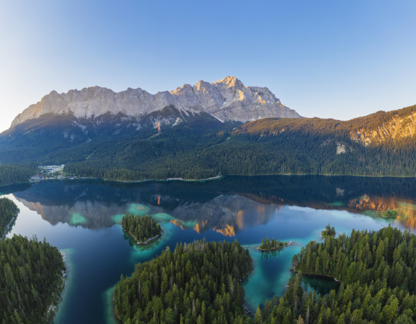 scenic view of wetterstein and zugspitze