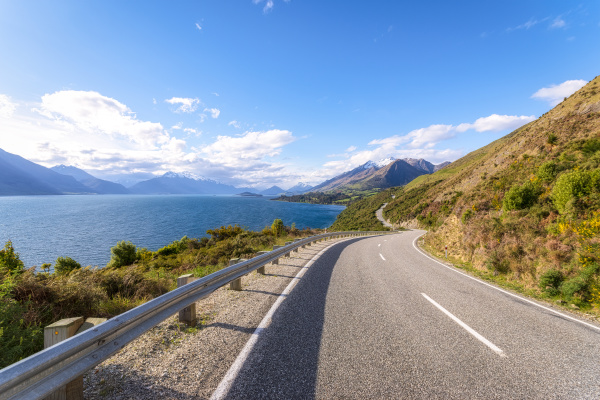 empty road at glenorchy south island