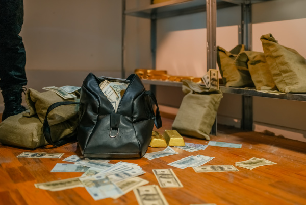 bank robbery bags full of money