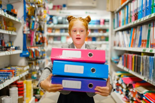 school, girl, holds, folders, in, stationery - 28077453