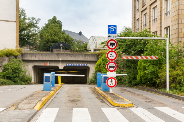 entrance to the tunnel european city