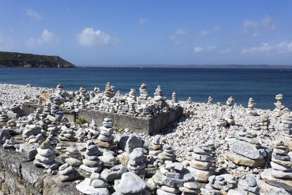 cairns at the pier le sillon