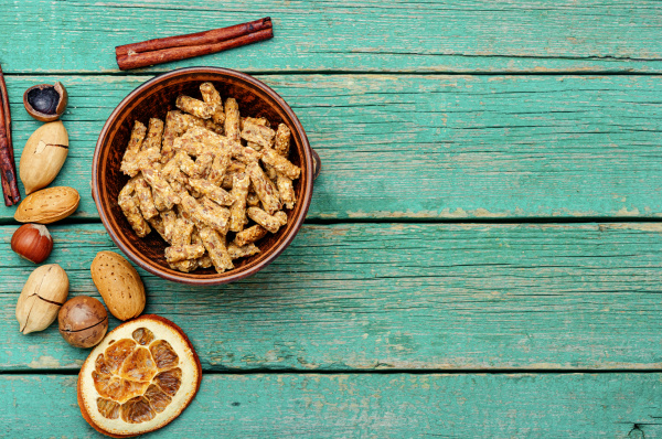 granola and mixed nuts