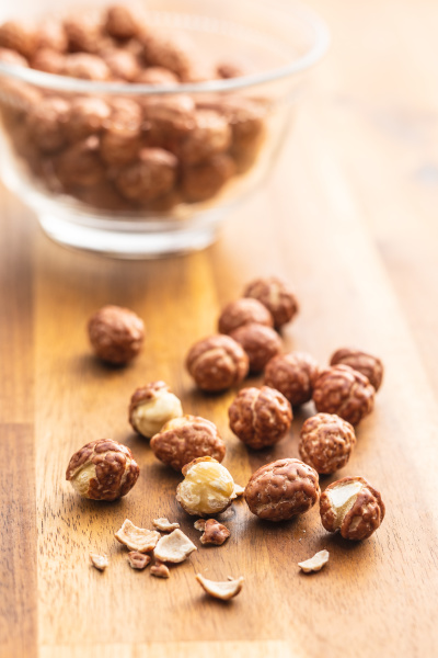 hazelnuts with sugar icing