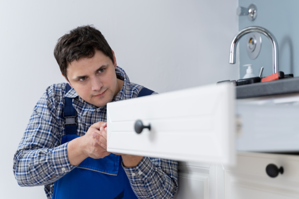 male, carpenter, installing, drawer - 28215138