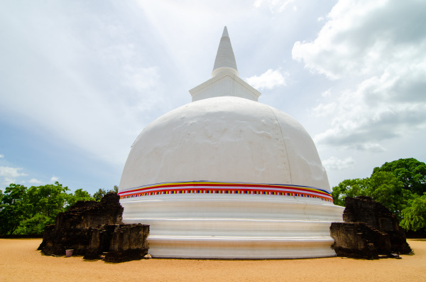 kiri vehera polonnaruwa sri lanka