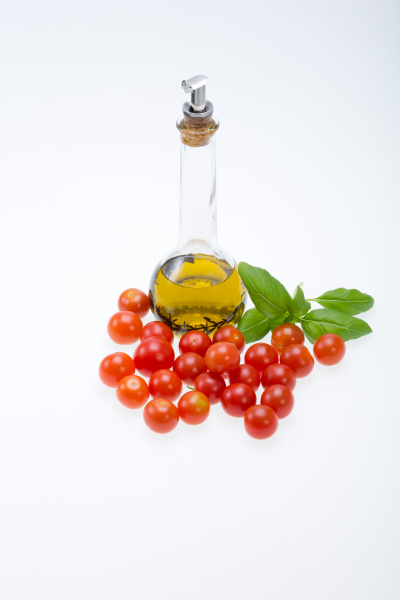 , basil, , tomatoes, and, olive - 28238957