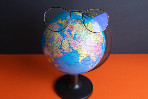 glasses, clad, on, the, globe, which - 28238424