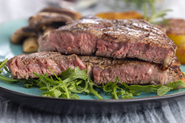 juicy, grilled, steak, on, a, plate - 28238207