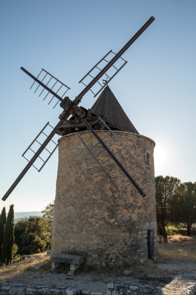 old, windmill, in, saint-saturnin-les-apt, muehle, in - 28238904