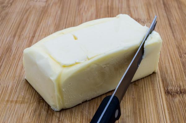 rectangular, clod, of, butter, with, a - 28238670