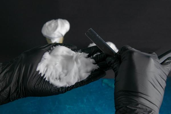 hand, holds, brush, for, applying, foam - 28239548