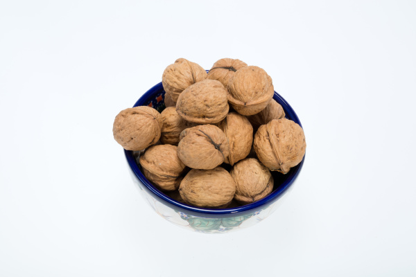 walnuts, heap, isolated, on, , white - 28239196
