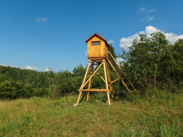 wooden hunter lookout tower