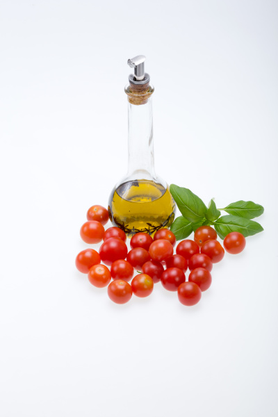 , basil, , tomatoes, and, olive, oil - 28240401