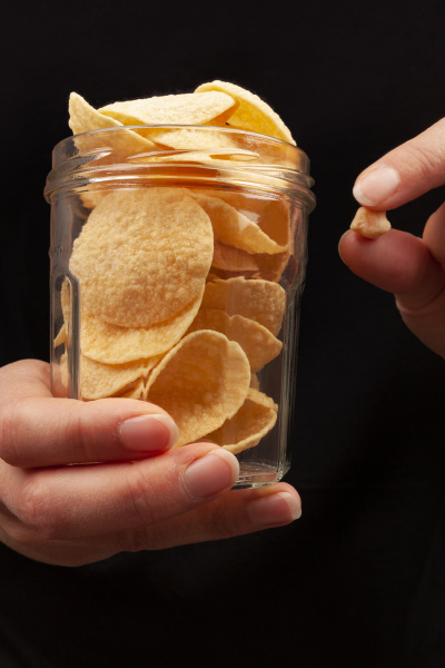 healthy chickpea chips snack