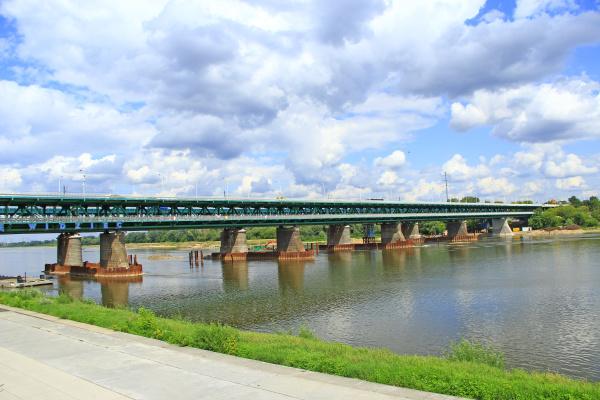 long bridge over wisla in warsaw