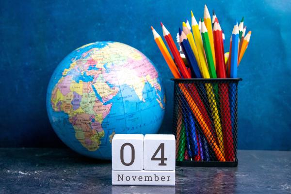 november 4 on the wooden calendarthe